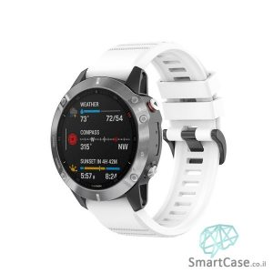 """רצועת סיליקון 26 מ""""מ בצבע לבן עם אבזם לשעוני גרמין פניקס Fenix 6X 5X 6X Pro"""