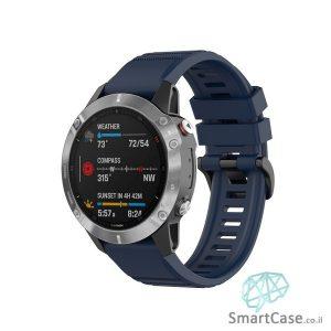 """רצועת סיליקון 26 מ""""מ בצבע כחול עם אבזם לשעוני גרמין פניקס Fenix 6X 5X 6X Pro"""