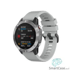"""רצועת סיליקון 26 מ""""מ בצבע אפור עם אבזם לשעוני גרמין פניקס Fenix 6X 5X 6X Pro"""